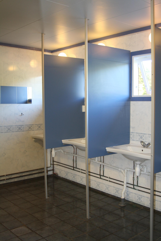 1 washroom